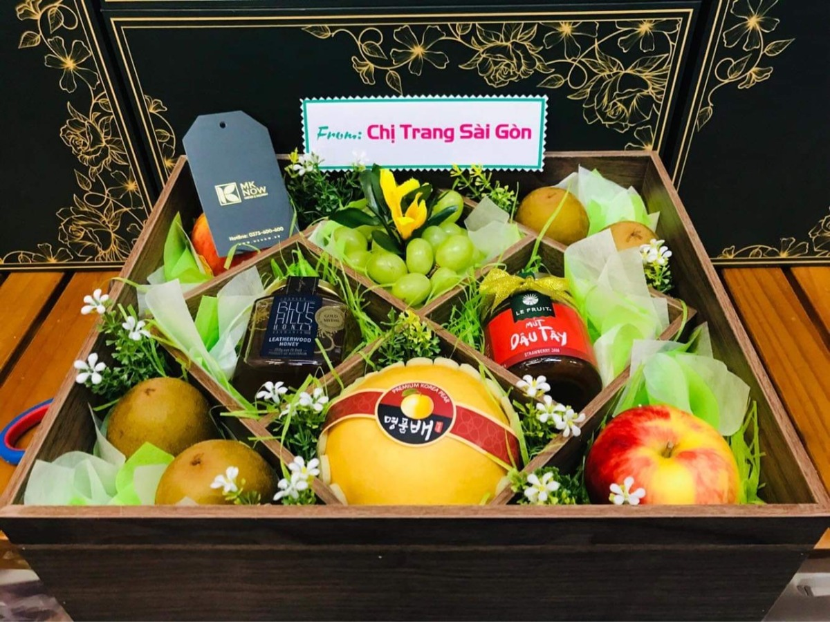 Top 10 quà tặng ngày doanh nhân Việt Nam 13/10 - Quà cho nữ doanh nhân, nam doanh nhân trên quà tặng trái cây MKnow