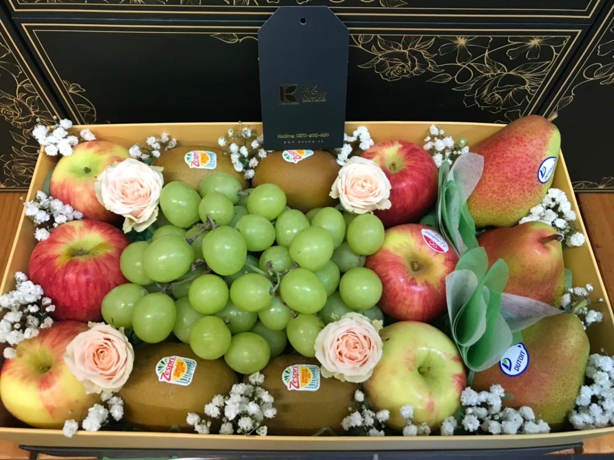 Vì sao người Việt ngày càng thích dùng trái cây nhập khẩu làm quà biếu Tết sang trọng?