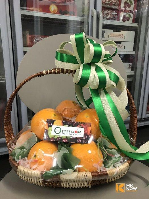Giỏ trái cây 20/11: Giỏ cam vàng nhập khẩu