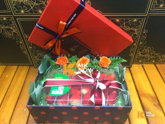 Hộp quà dâu tây Korea - FSNK240