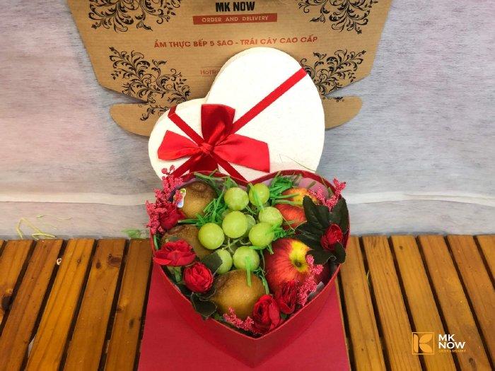 Hộp trái cây quà tặng 20/10 MKnow - FSNK106