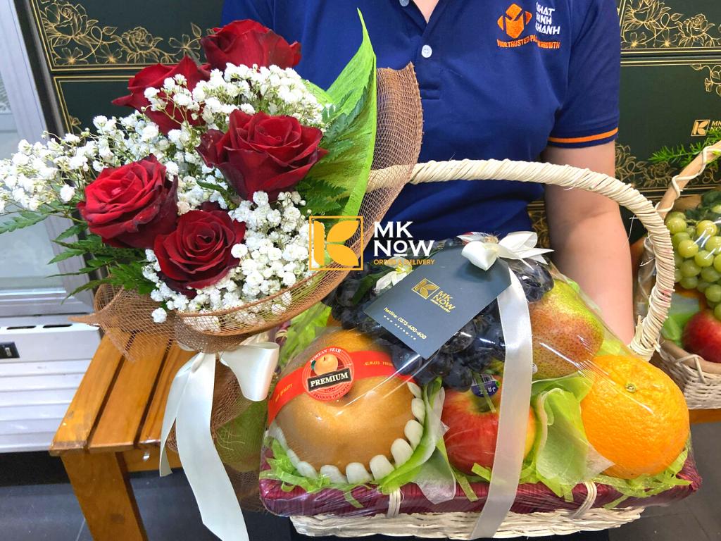 Nhiều trái cây ngoại 'sang chảnh' làm quà 8-3 - Tuổi Trẻ Online đưa tin về MKnow