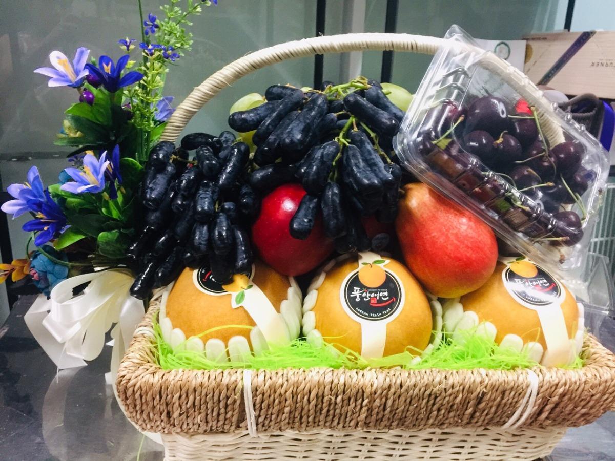 Giỏ quà trái cây nhập khẩu FSNK52