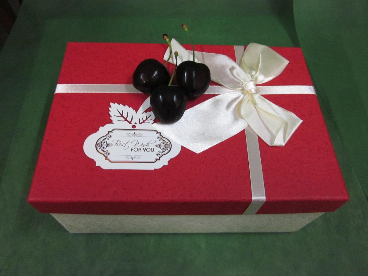 Hộp quà Cherry - quà tặng sinh nhật bạn gái từ MKnow